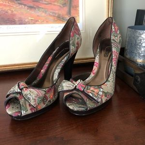 Unlisted by Kenneth Cole heeled shoes